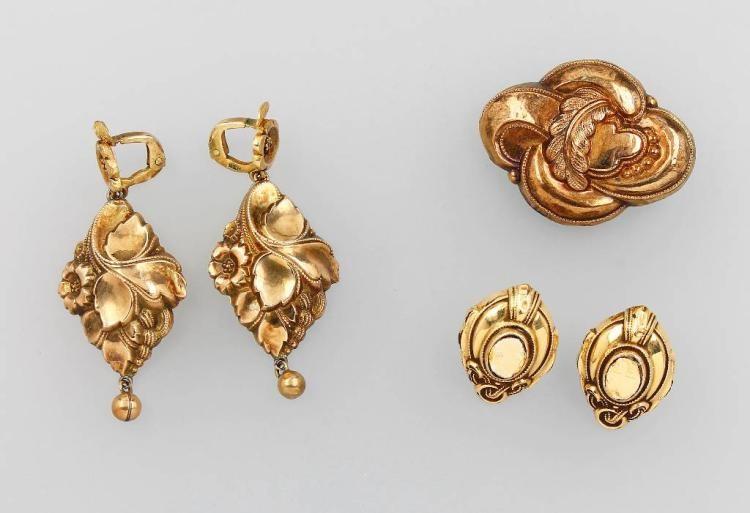 Przykład biżuterii wykonanej z dmuchanego złota. Biedermeier, Niemcy/Pforzheim lata 40. XIX w.