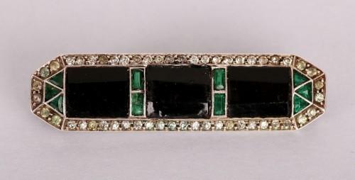 Broszka, Niemcy, ok. 1920 r. Fabryka biżuterii Wilhelm Becker: sygn. 'WB' (Wilhelm Becker) srebro pr. 925 (sterling), szkło bezbarwne, czarne i zielone
