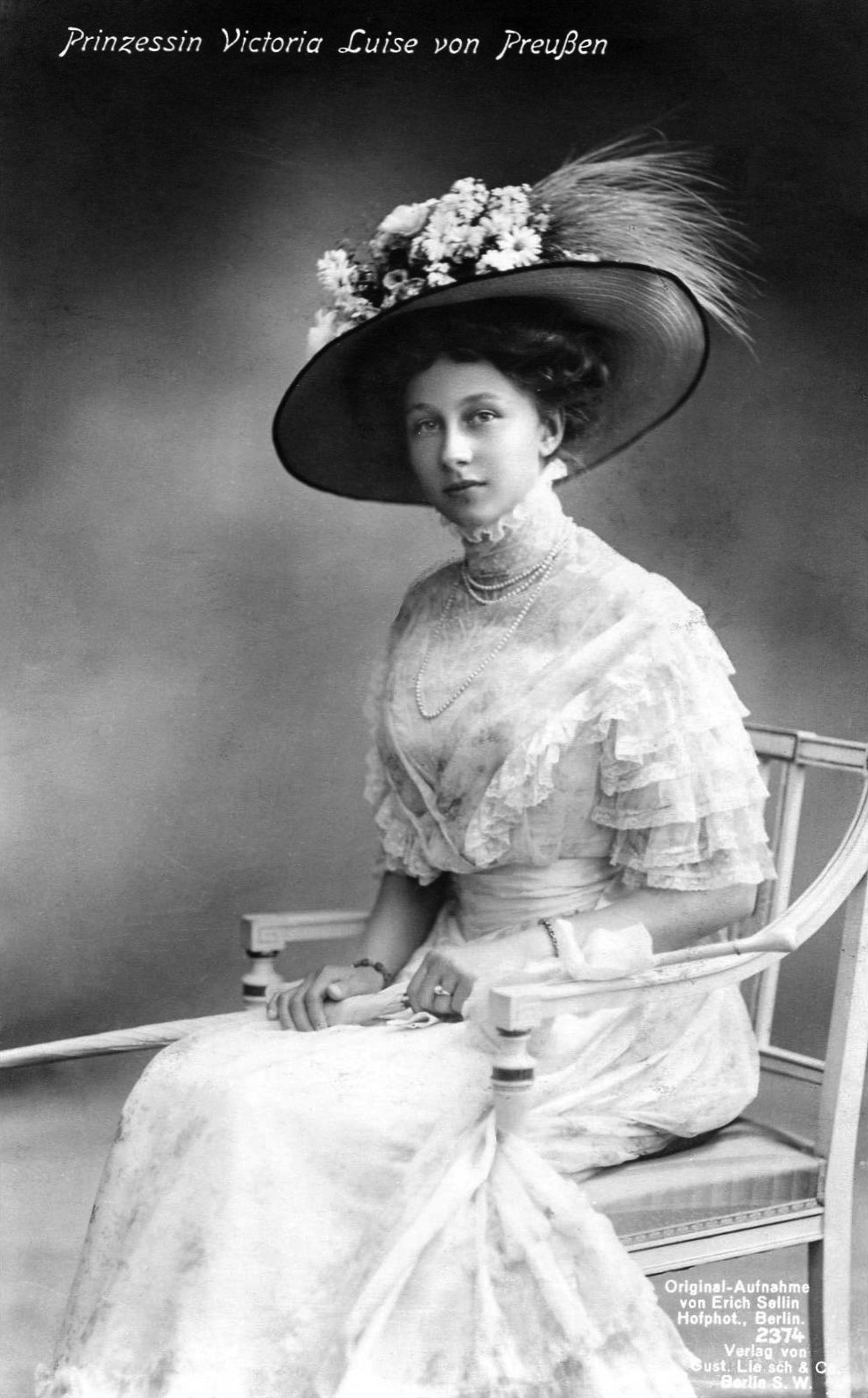 2. Wiktoria Luiza Adelajda Matylda Charlotta Pruska [1892 - 1980]  księżniczka Prus, księżna Hanoweru i Brunszwiku